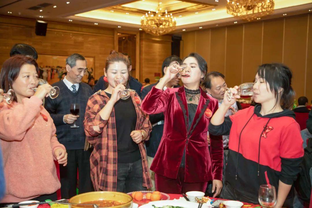 荣格2021新春联欢晚宴圆满举办(图17)
